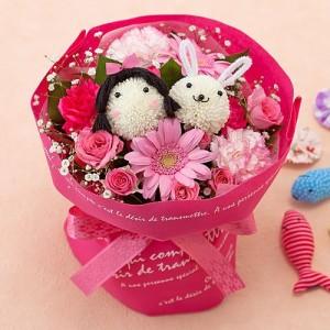 花束「わたしとウサギの花畑」